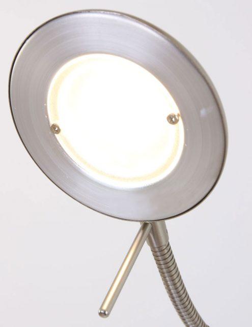 Lampadaire-dangle-couleur-acier-4