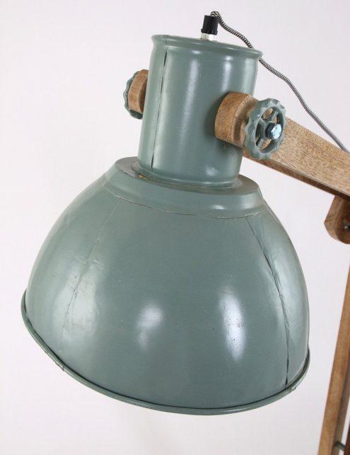Lampadaire-industriel-vert-pâle-bois-et-meta-5