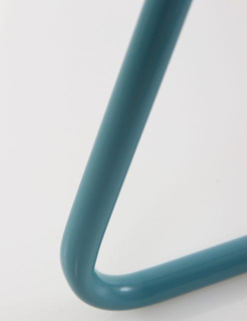 Lampe-de-bureau-bleu-clair-inclinable-et-originale-4
