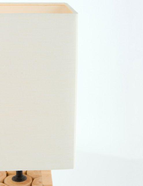Lampe-de-table-en-bois-et-abat-jour-blanc-3