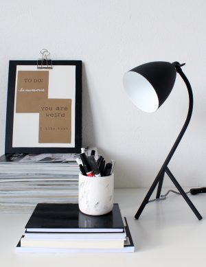 Lampe de table noire design