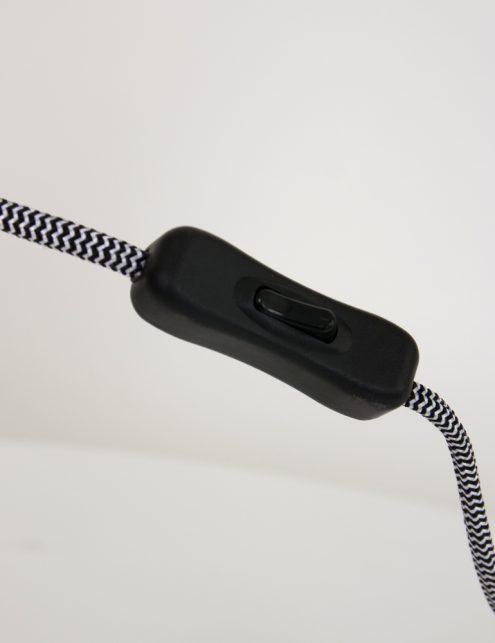 Lampe-de-table-noire-design-4