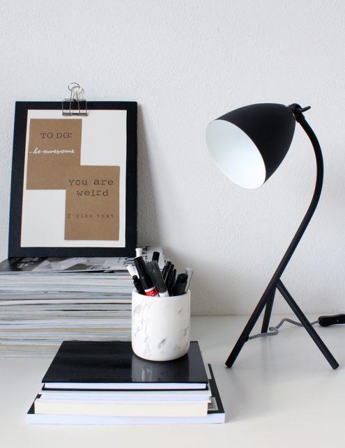 Lampe de table noire design