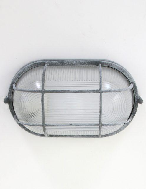 Plafonnier-design-industriel-avec-hublot-marin-gris-3
