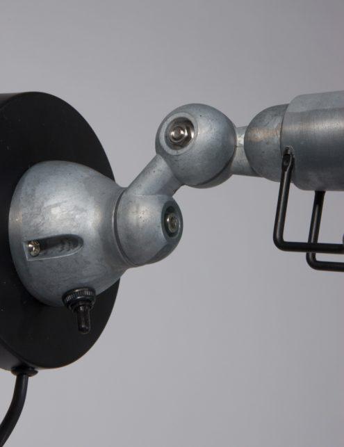 applique-murale-metal-noir-3