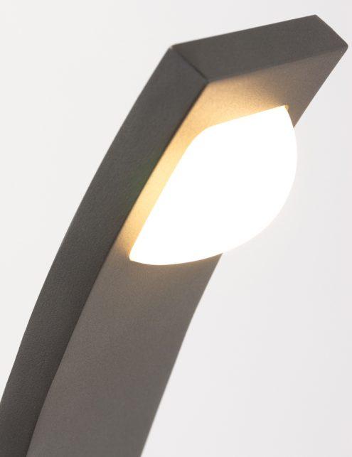 eclairage-exterieur-maison-moderne-2