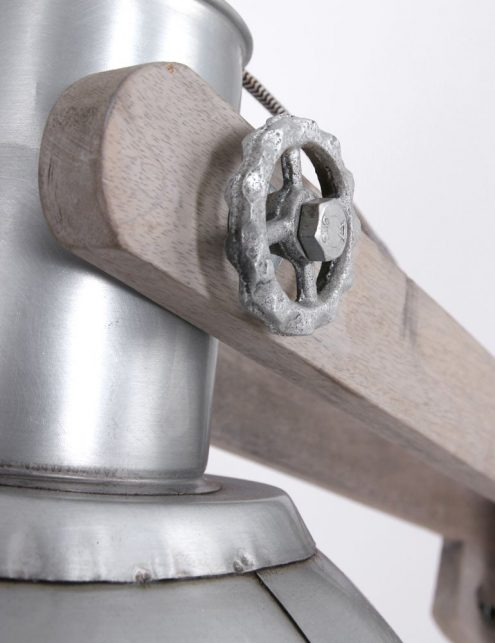 lampadaire-design-bois-et-metal-3