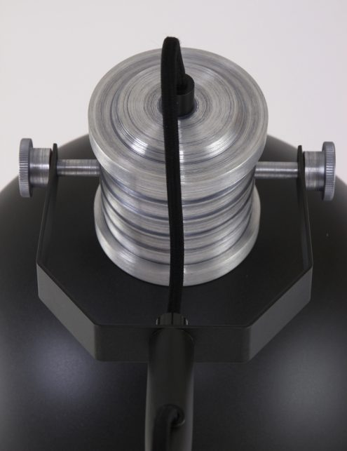 lampadaire-metal-noir-2