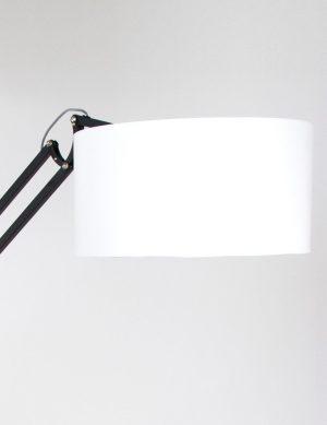 lampadaire-noir-et-blanc-1