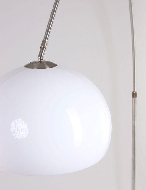 lampadaire-plastique-blanc-3