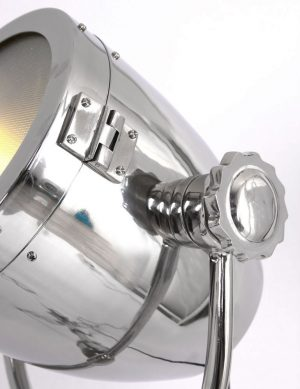 lampadaire-trepied-projecteur-1
