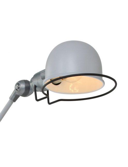 lampe-de-bureau-grise-1