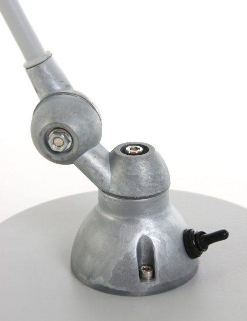 lampe-de-bureau-grise-5