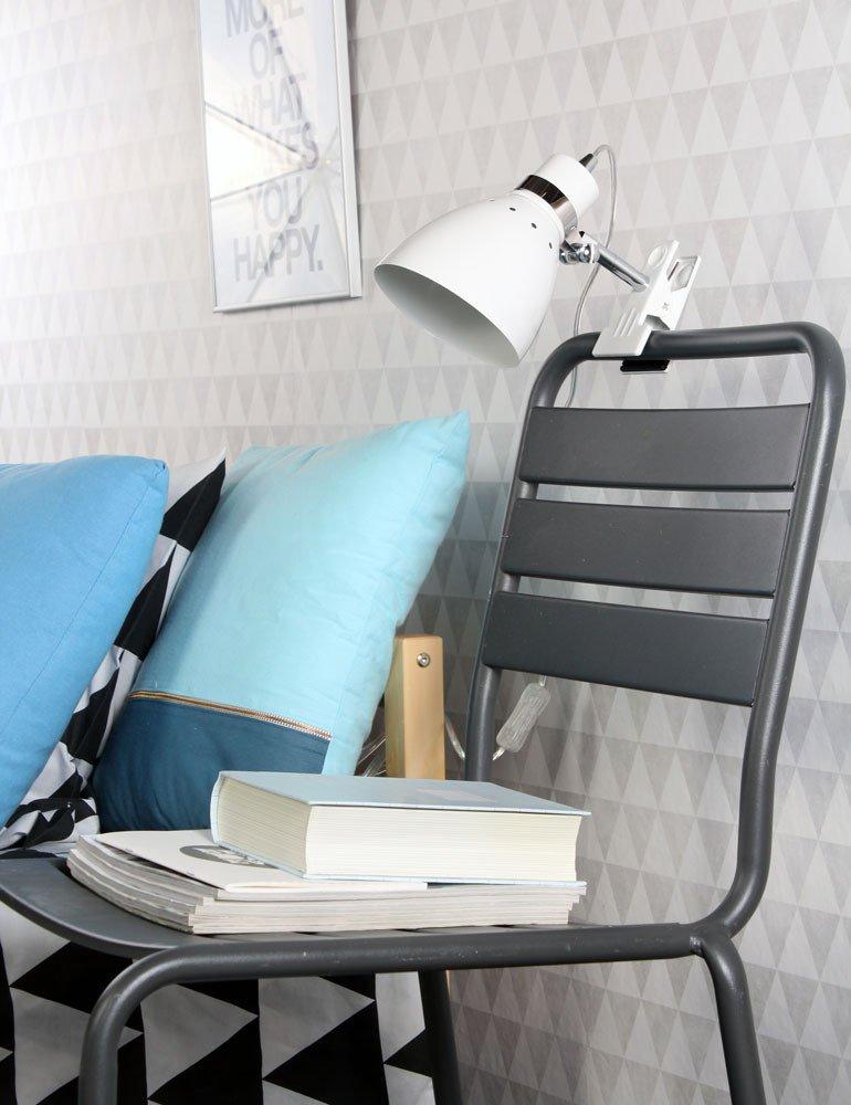 lampe de chevet avec pince steinhauer spring praticit et design. Black Bedroom Furniture Sets. Home Design Ideas