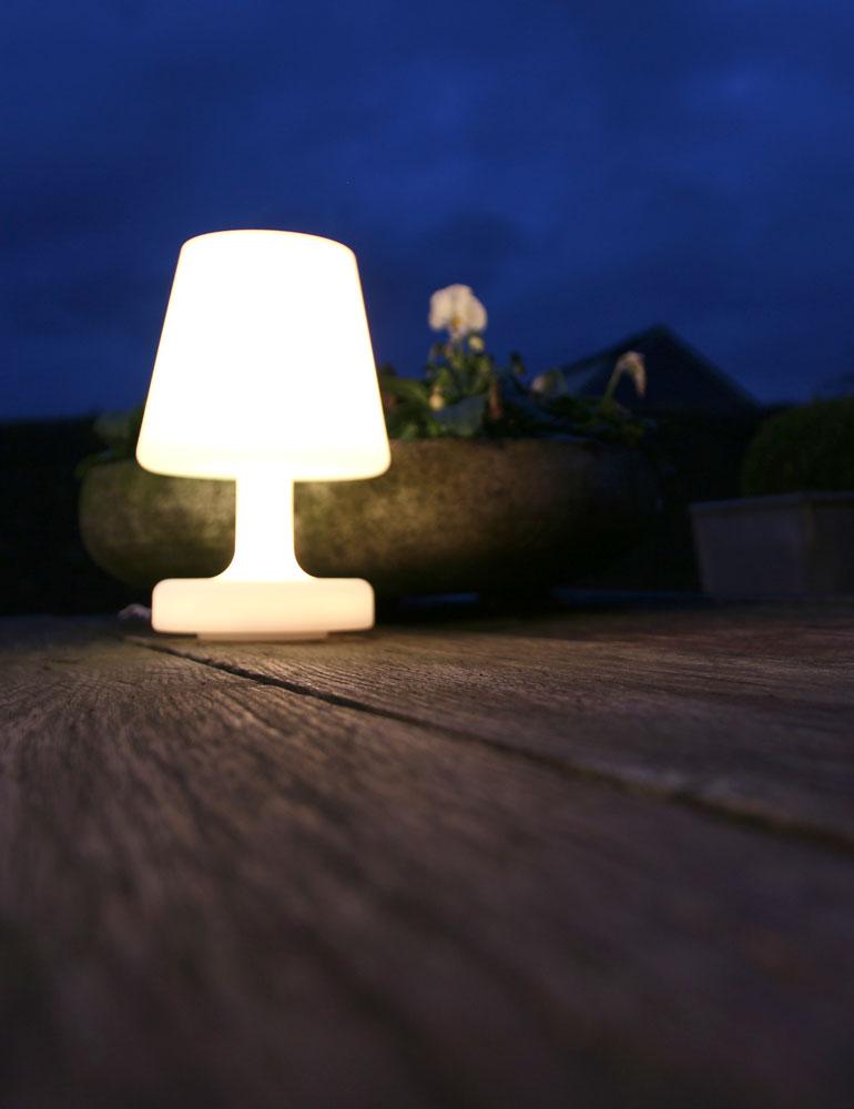 lampe ext rieure multicolore rechargeable t lecommande de couleurs. Black Bedroom Furniture Sets. Home Design Ideas