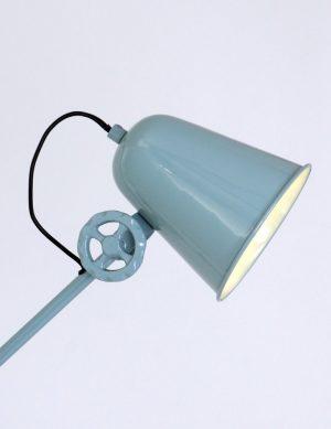 lampe-sur-pied-metal-1