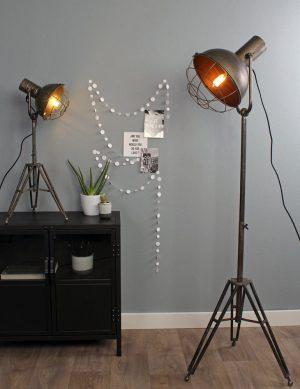 lampe sur pied style industriel