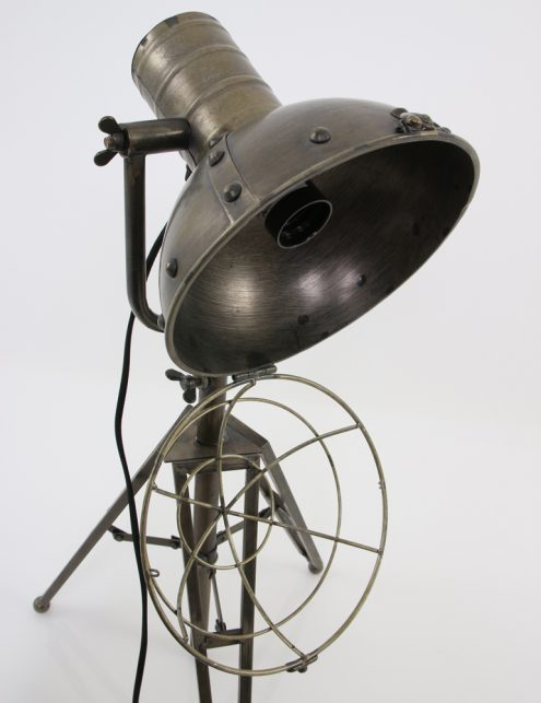 lampe-trepied-industriel-13