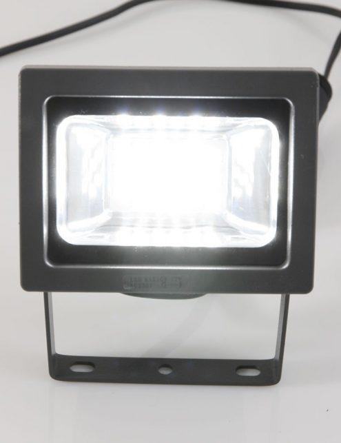 projecteur-a-led-exterieur-3