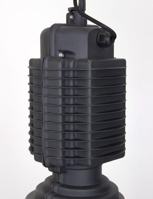 suspension-noir-mat-4