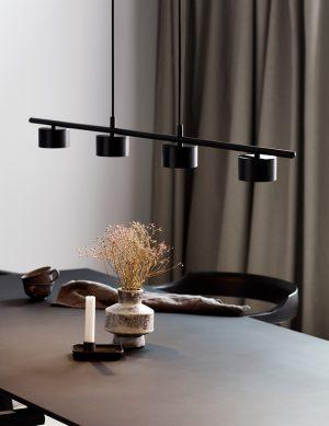Suspension moderne avec quatre spots à lumière LED Clyde Nordlux noir