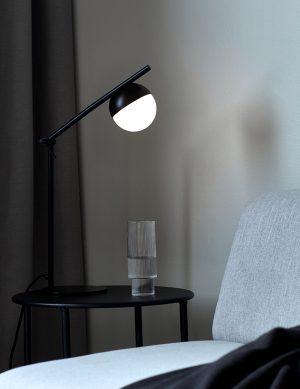 Lampe de bureau avec sphère en verre Contina Nordlux noir